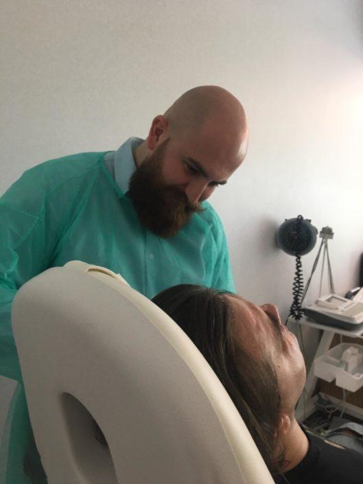 Lekarz podczas szkolenia